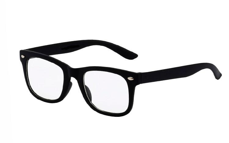 43bef3239b1b Design nr. 3513. 79 kr. Barne solbriller i lilla wayfarer look ...